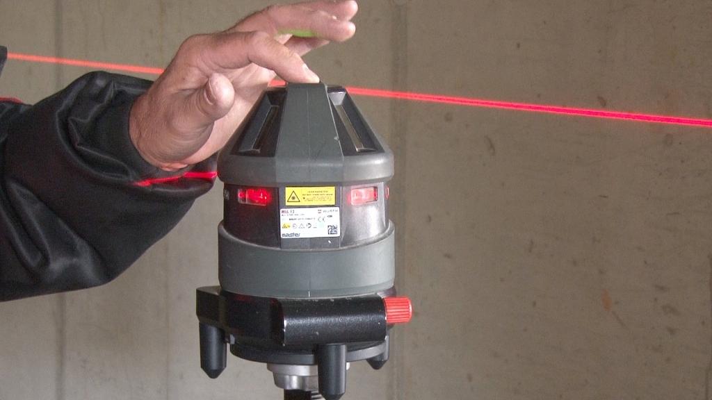 Laservermessung der Höhen am Objekt